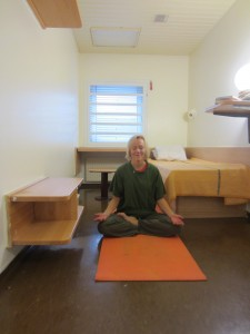 sweden meditating for peace in the cell